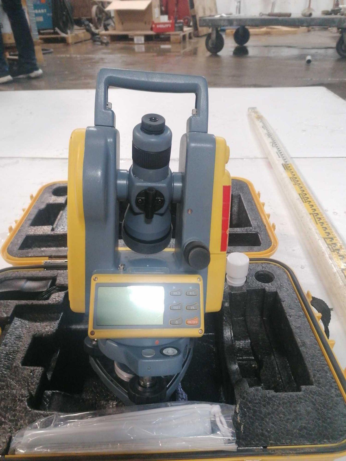 Lot 148 - Spectra Precision DET-2 Theodolite Laser