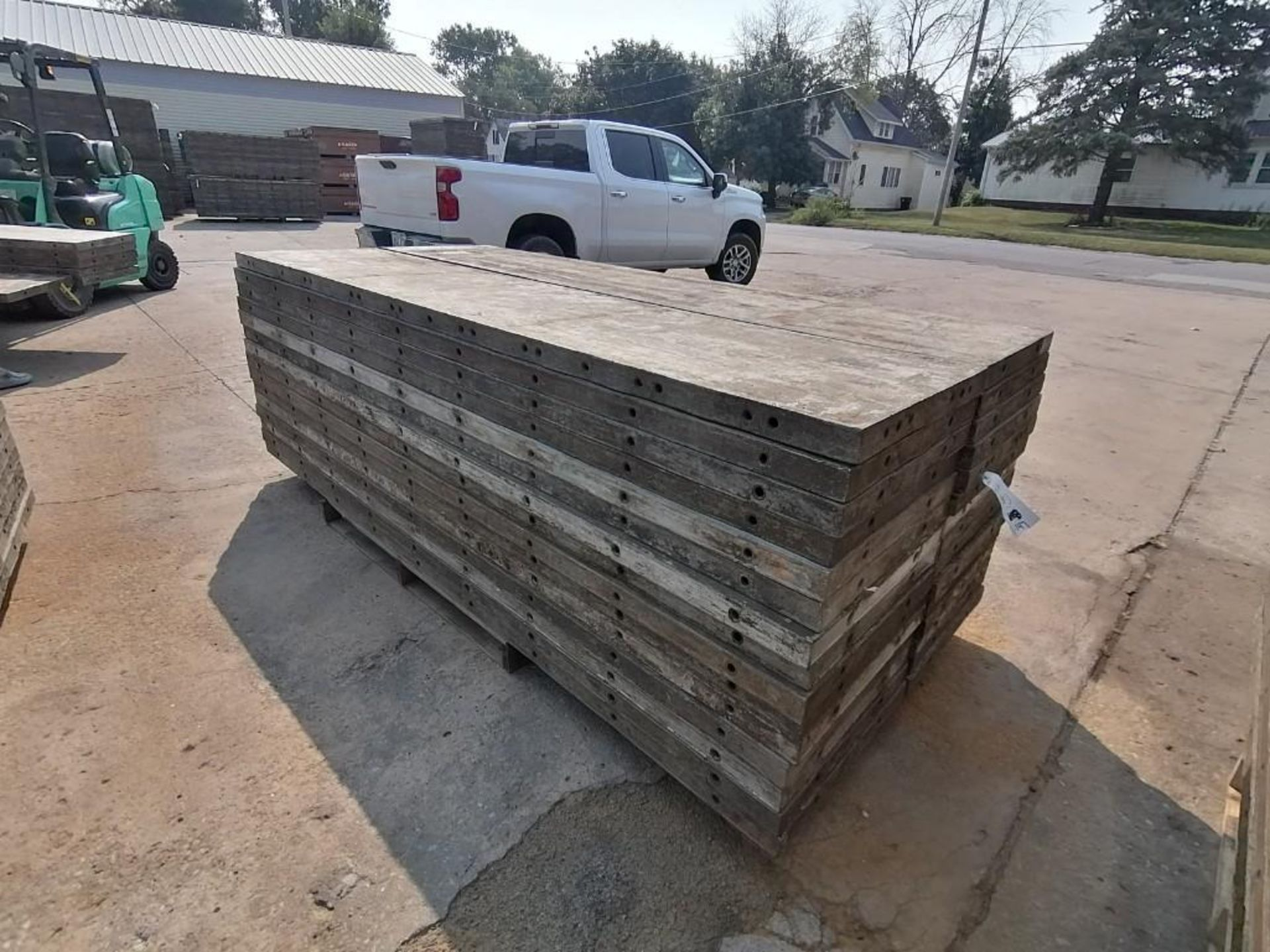 Lot 137 - (30) 2' x 9' Wall-Ties Aluminum Concrete Forms, Laydowns, Smooth 6-12 Hole Pattern. Located at 301 E
