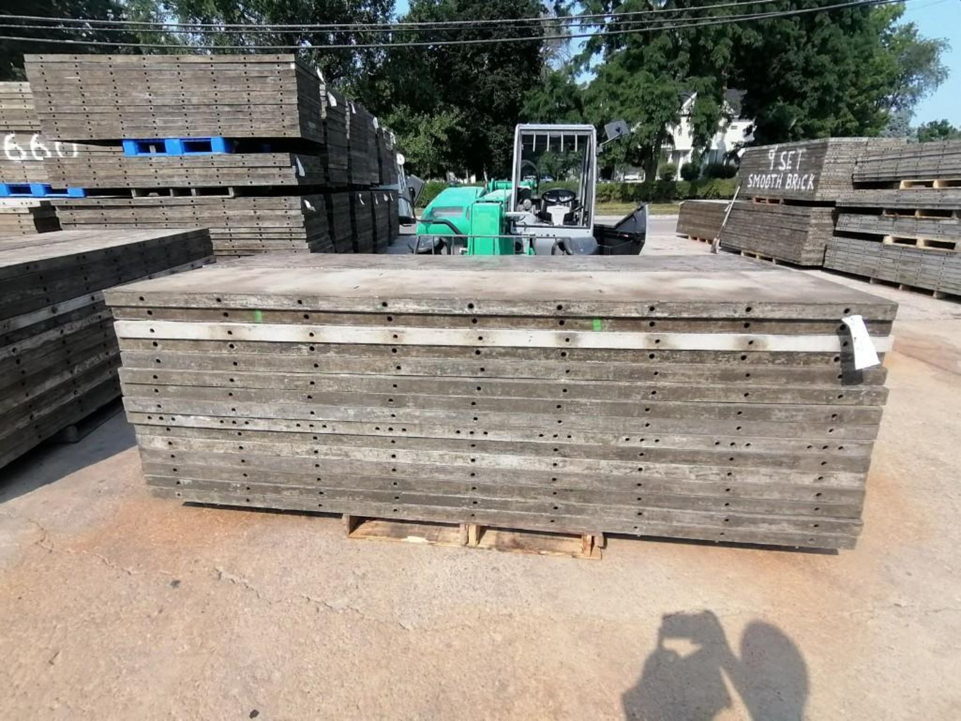Lot 149 - (30) 2' x 9' Wall-Ties Aluminum Concrete Forms, Laydowns, Smooth 6-12 Hole Pattern. Located at 301 E
