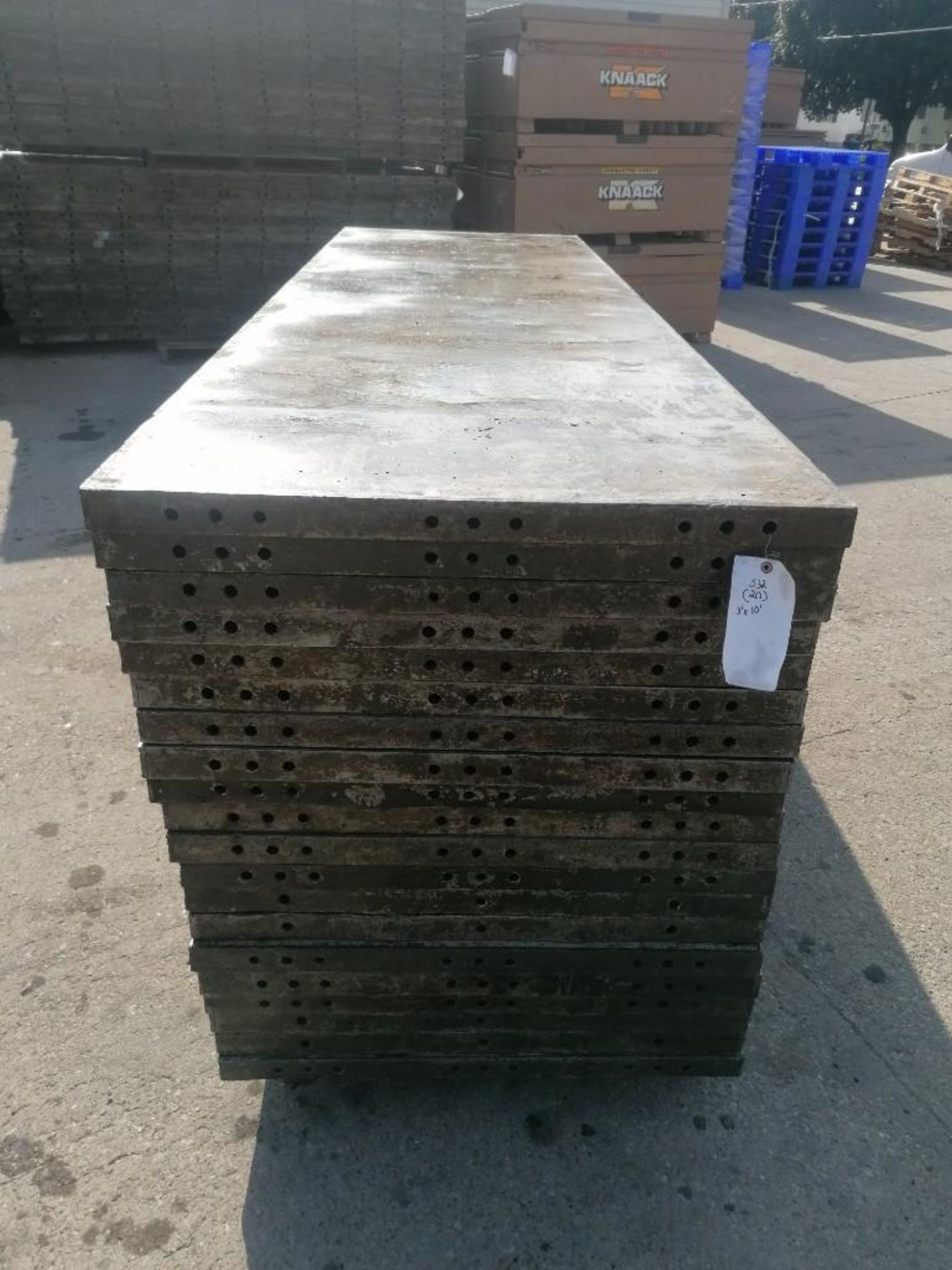 Lot 129 - (20) 3' x 10' Wall-Ties Aluminum Concrete Forms, Smooth 6-12 Hole Pattern. Located at 301 E Henry