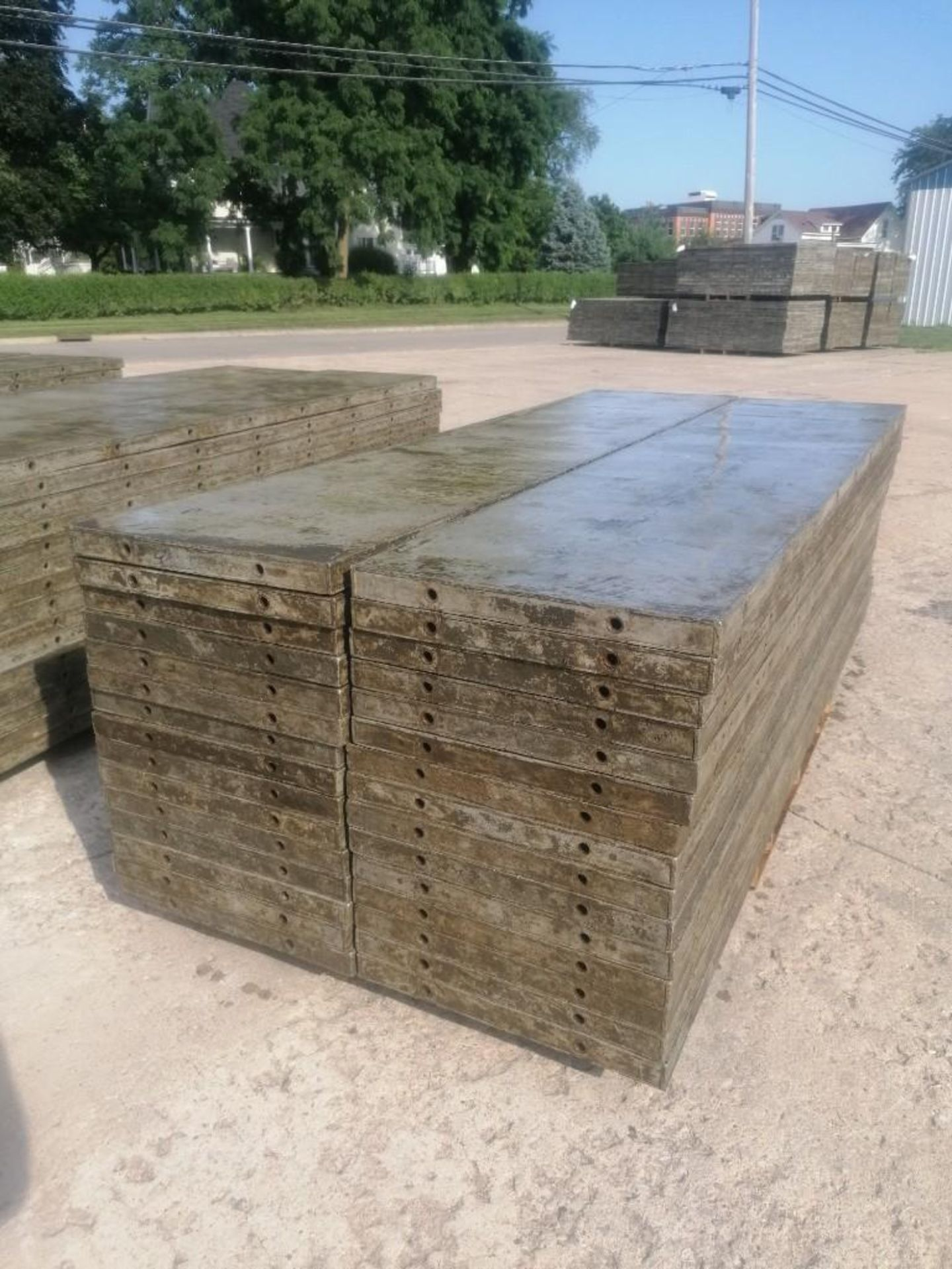 Lot 133 - (30) 2' x 9' Wall-Ties Aluminum Concrete Forms, Laydowns, Smooth 6-12 Hole Pattern. Located at 301 E