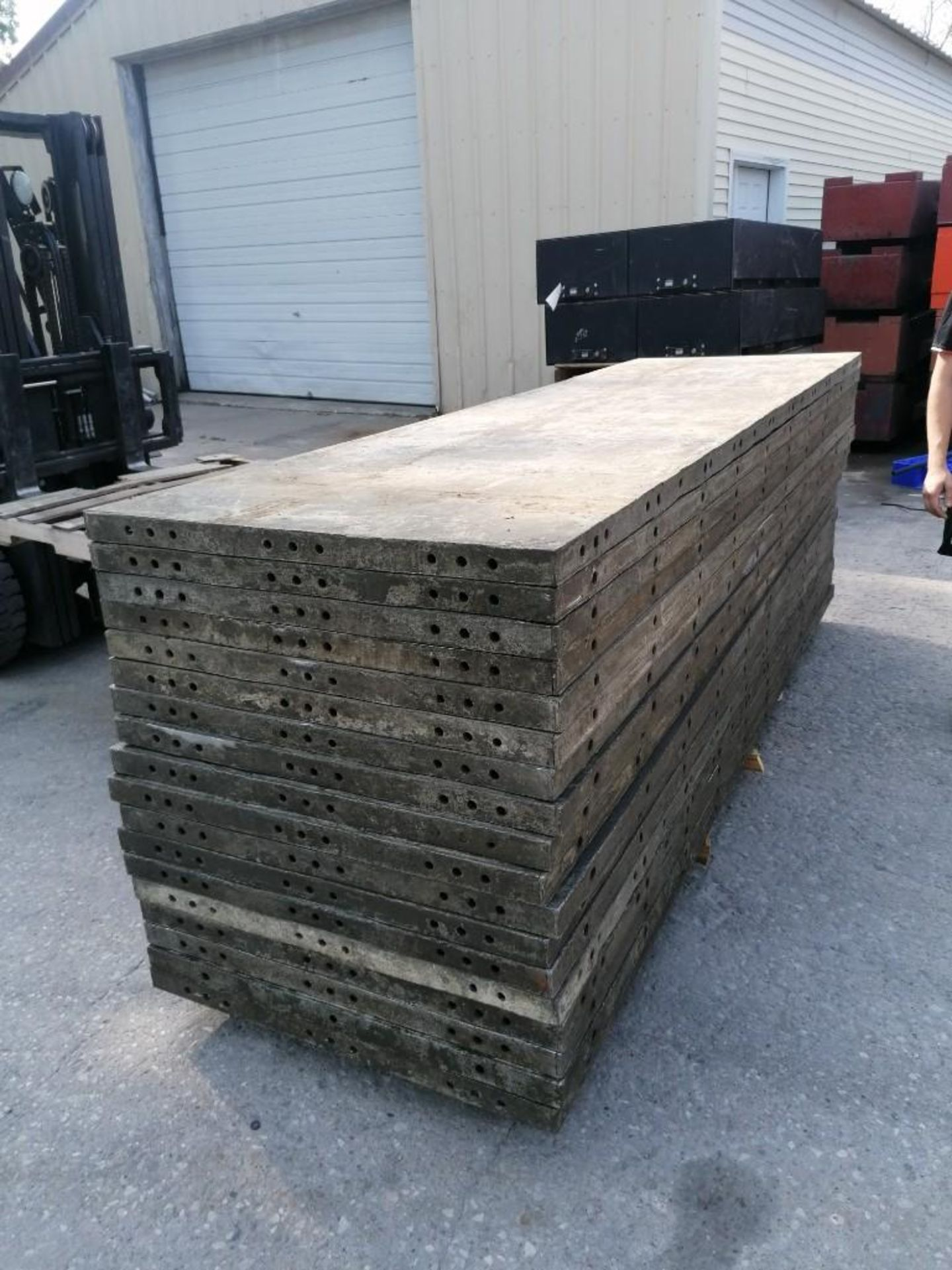 Lot 130 - (18) 3' x 10' Wall-Ties Aluminum Concrete Forms, Smooth 6-12 Hole Pattern. Located at 301 E Henry