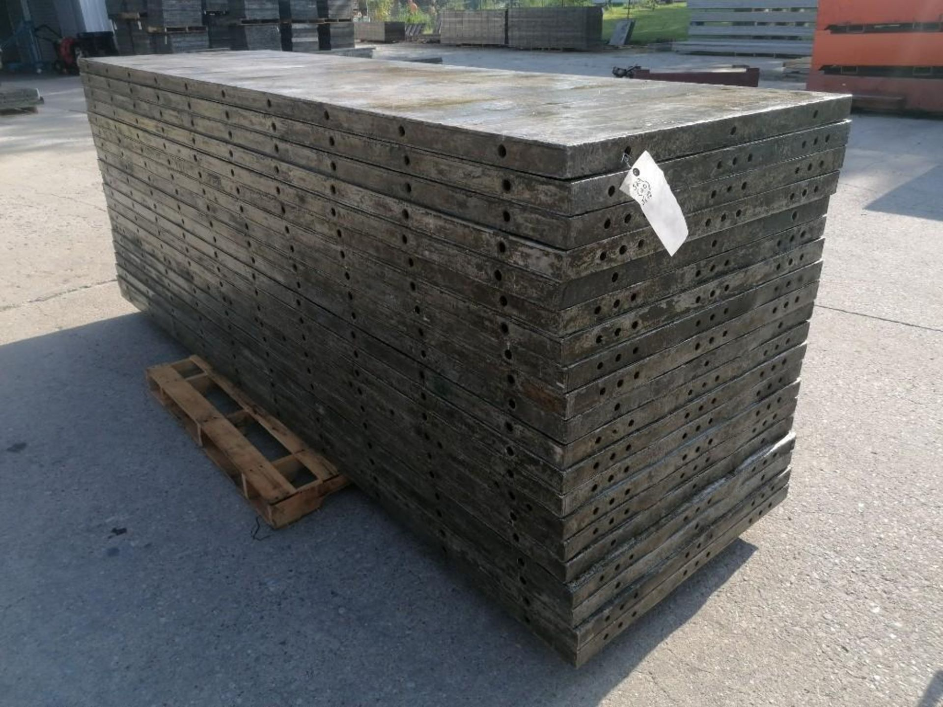 Lot 126 - (20) 3' x 10' Wall-Ties Aluminum Concrete Forms, Smooth 6-12 Hole Pattern. Located at 301 E Henry