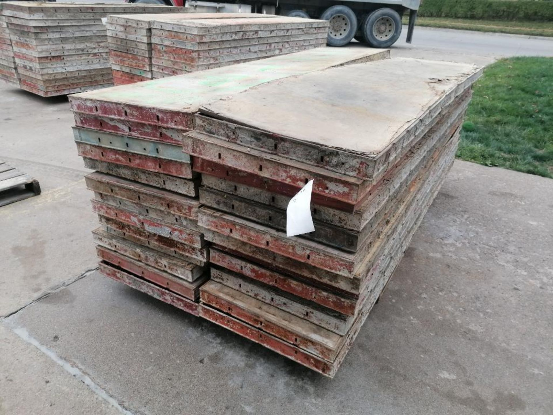(26) 2' x 8' Damaged Ellis Steel Ply Forms. Located in Mt. Pleasant, IA - Image 2 of 6