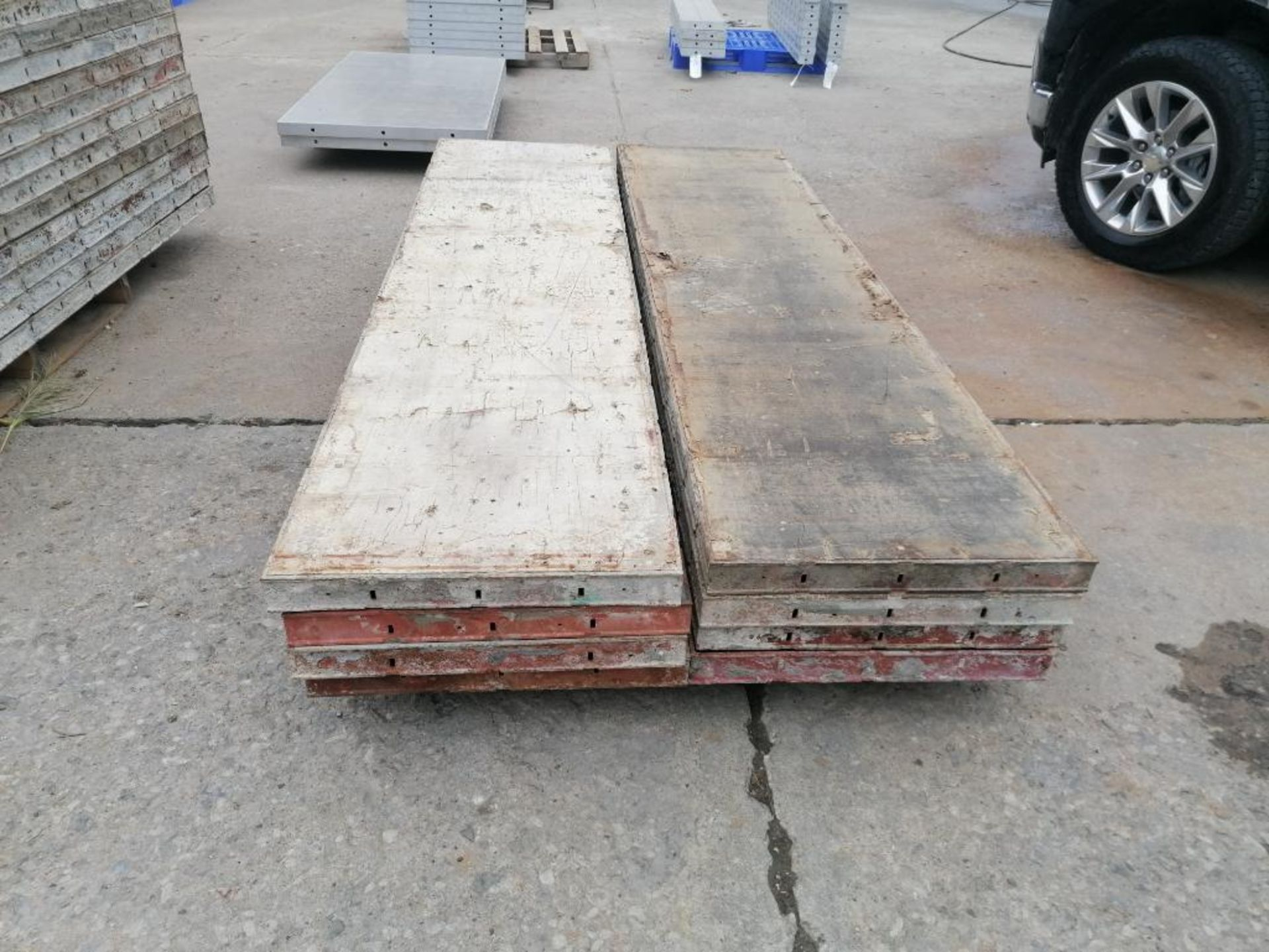"""(8) 24"""" x 8' Ellis Steel Ply Forms. Located in Mt. Pleasant, IA - Image 2 of 5"""