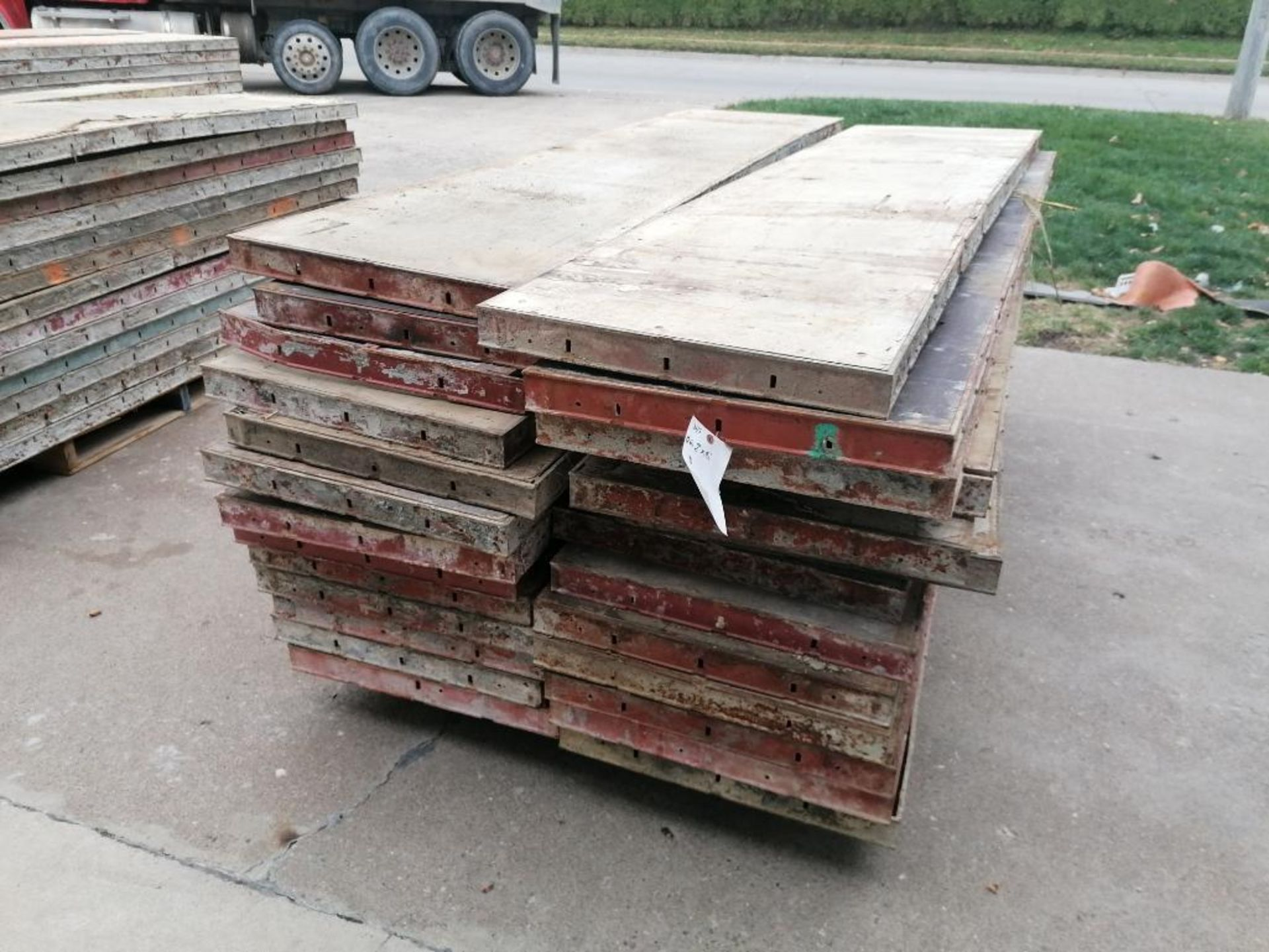 "(26) 24"" x 8' Damaged Ellis Steel Ply Forms. Located in Mt. Pleasant, IA"