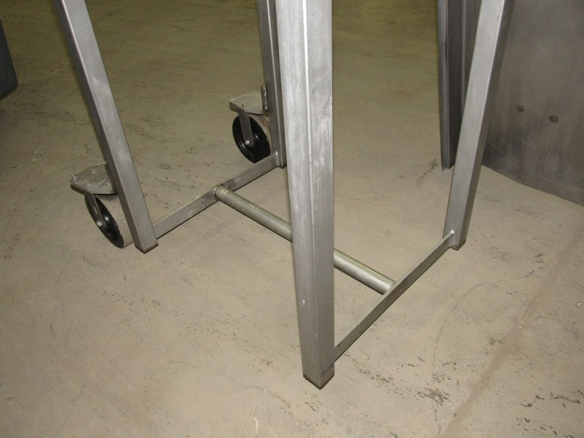 """Lot 36 - Stainless Steel Incline Conveyor, on swivel, 20"""" W X 13' L flighted belt, 102"""" discharge, stainless;"""