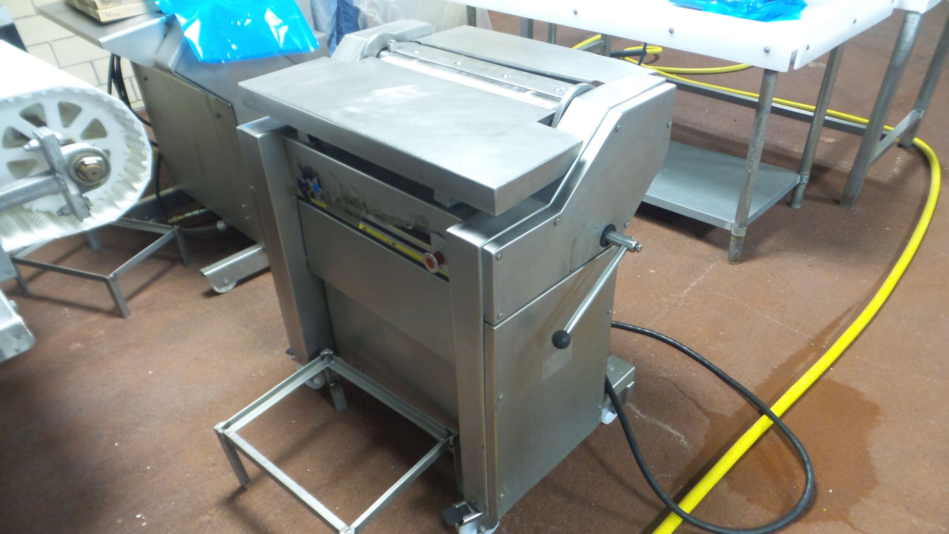 Lot 5 - Townsend;Mdl. 7500 Membrane Skinner, w/air assist, 220 volt, 3 phase;*** All Funds Must Be