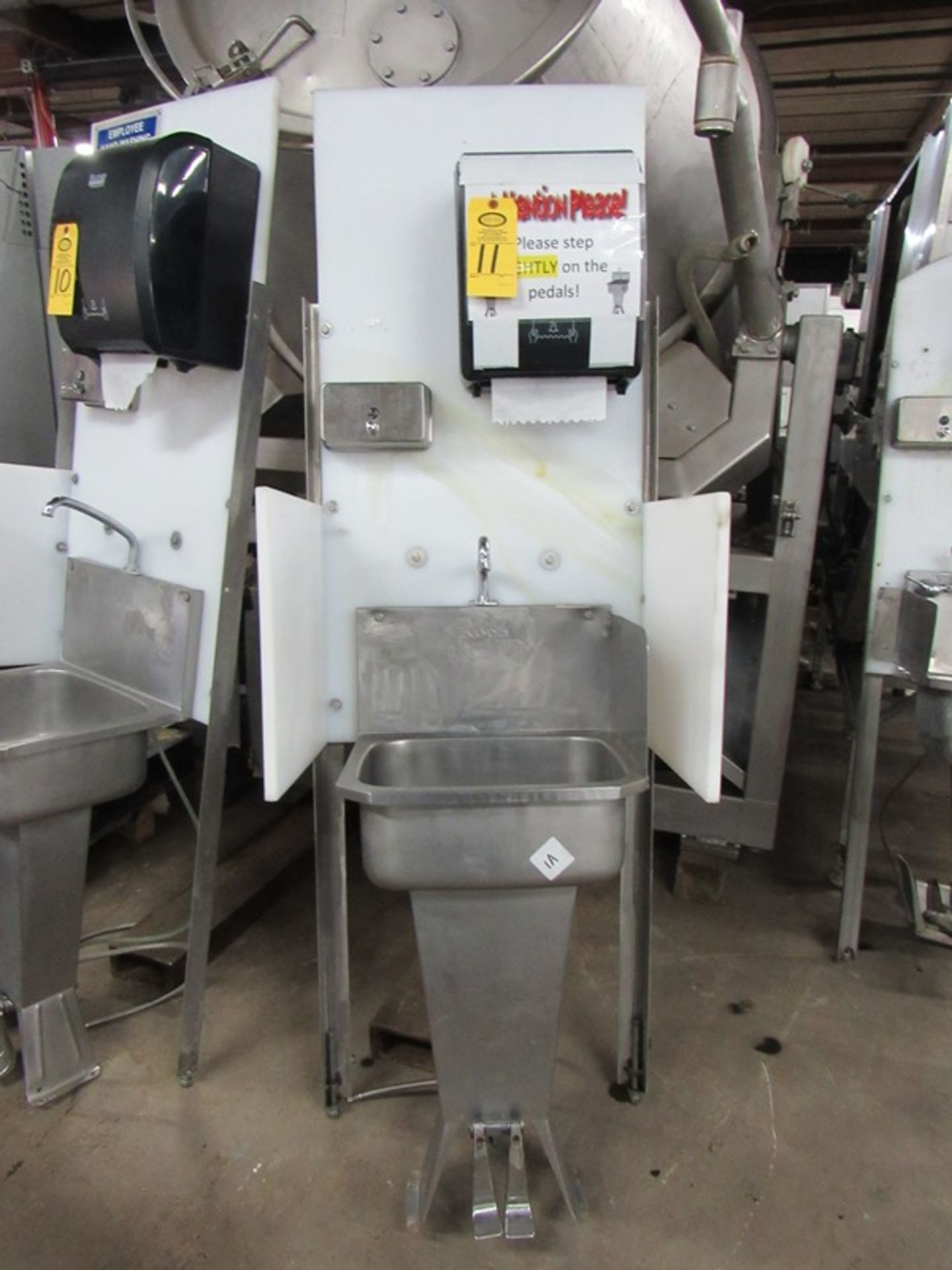 "Lot 11 - Koch Stainless Steel Handwash Station Sink, foot pedel activation, soap towel dispensers, 26"" W X"