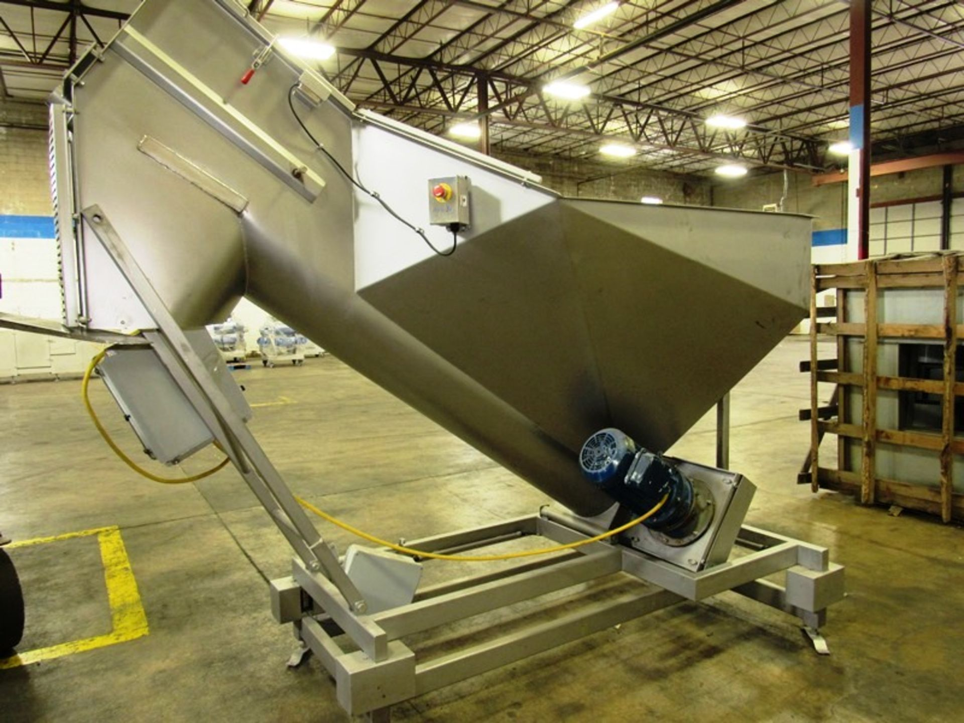 """Stainless Steel Screw Loader, 16"""" Dia. X 8' L stainless steel screw, 5' W X 5' L load hopper, 15 h. - Image 2 of 7"""