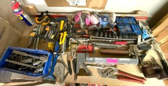 DESCRIPTION CONTENTS OF SHELF (LARGE ASSORTMENT OF HAND TOOLS, SEE ADDITIONAL PHOTOS) LOCATION BASEM
