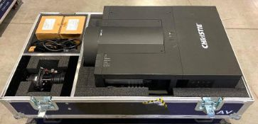 DESCRIPTION CHRISTIE LX1200 3LCD XGA PROJECTOR WITH ACCESSORIES AND ROAD TRANSPORT CRATE BRAND/MODEL