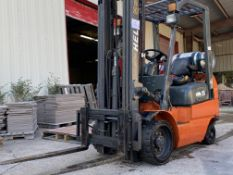 Heli FG35C forklift, 2,600 lb. capacity, 48 in. fork length, 3-stage mask, 189 inch lift height