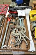 (Lot): Rigid drop head threader w/die, adjustable wrenches, 18 in pipe wrench, pneumatic Hitachi fra