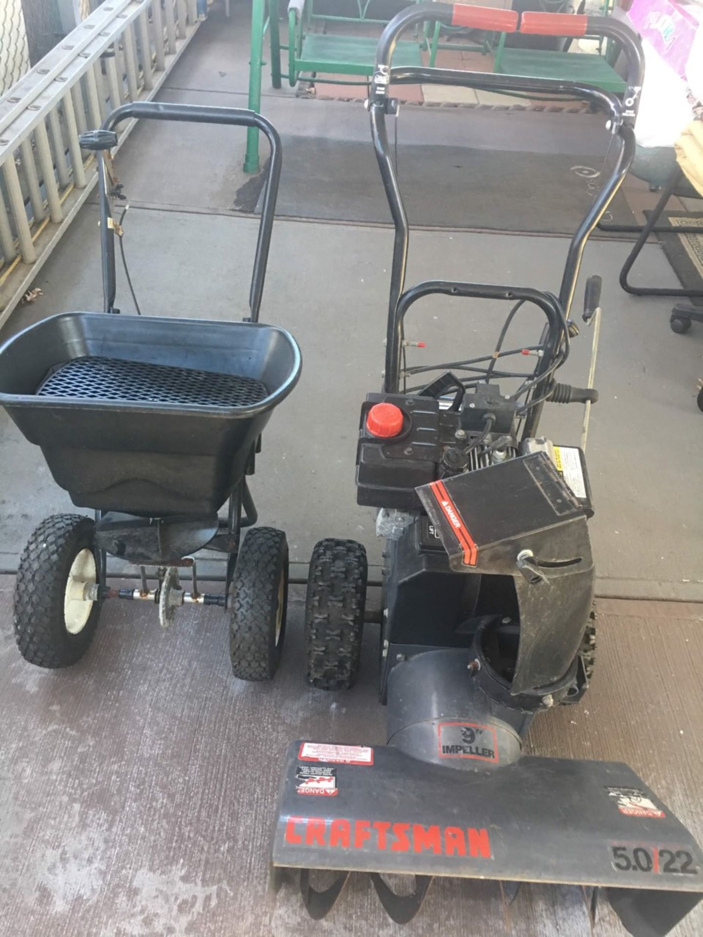 Lot 367 - CRAFTSMAN SNOW BLOWER W/ SALT SPREADER