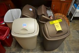 Lot - Garbage Cans