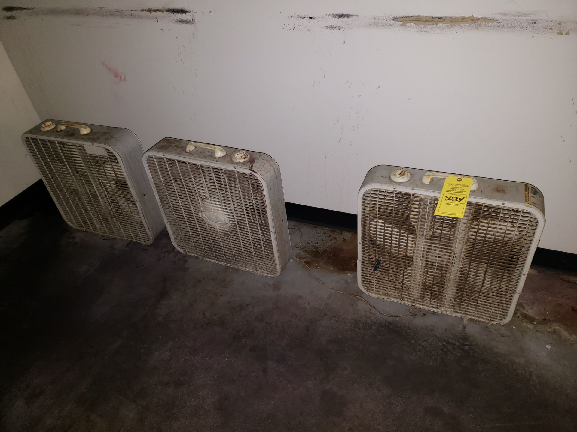 Lot 5034 - (3) BOX FANS (LOCATED AT: 16335 LIMA ROAD BLDG. 4 HUNTERTOWN, IN 46748)