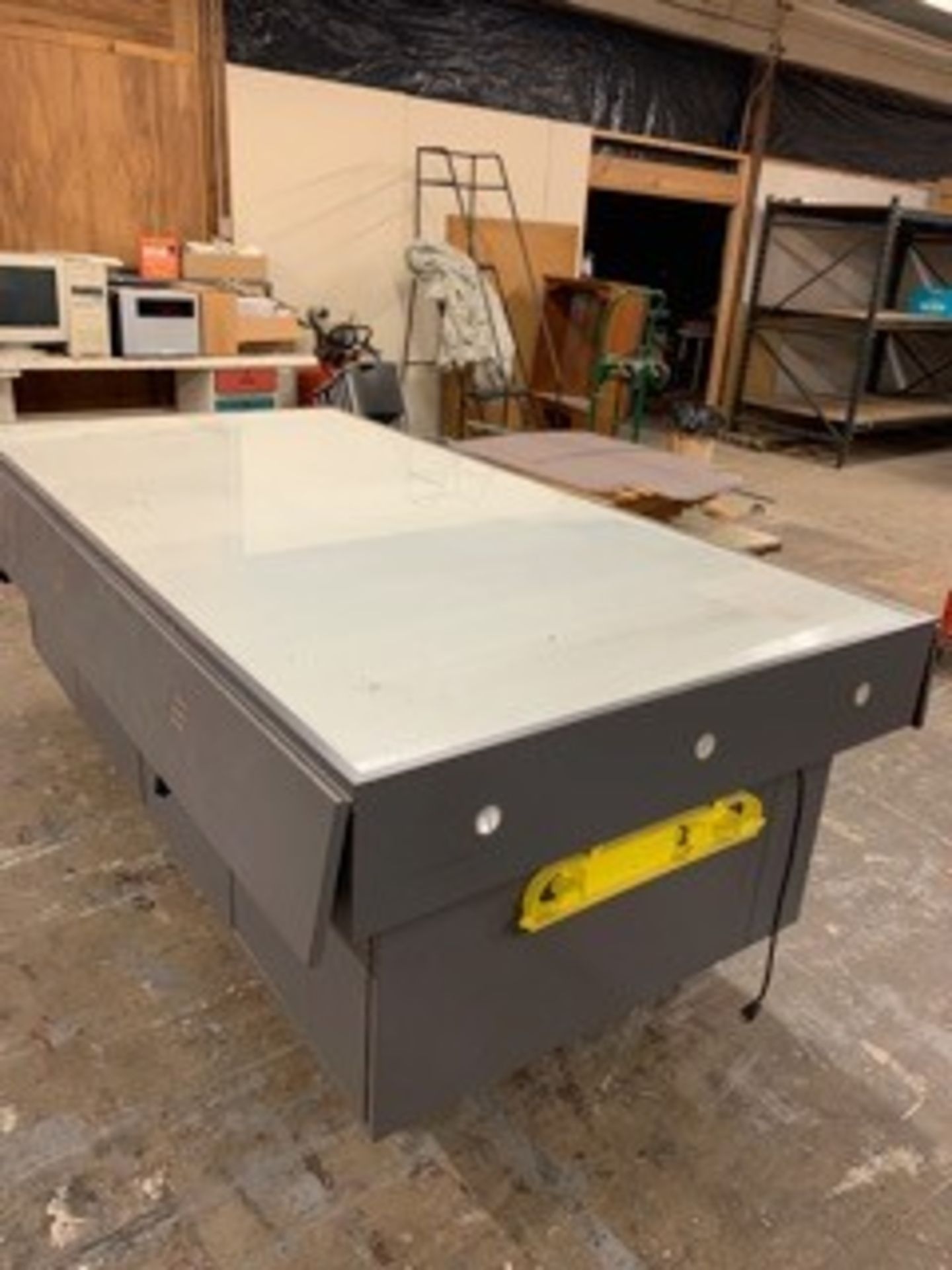 Lot 5067 - 8 FT. LIGHT TABLE (LOCATED AT: 16335 LIMA ROAD, HUNTERTOWN, IN 46748)