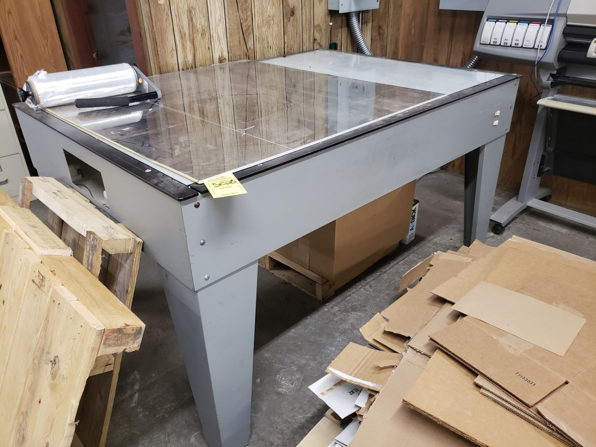 Lot 5028 - LIGHT TABLE (LOCATED AT: 16335 LIMA ROAD BLDG. 4 HUNTERTOWN, IN 46748)
