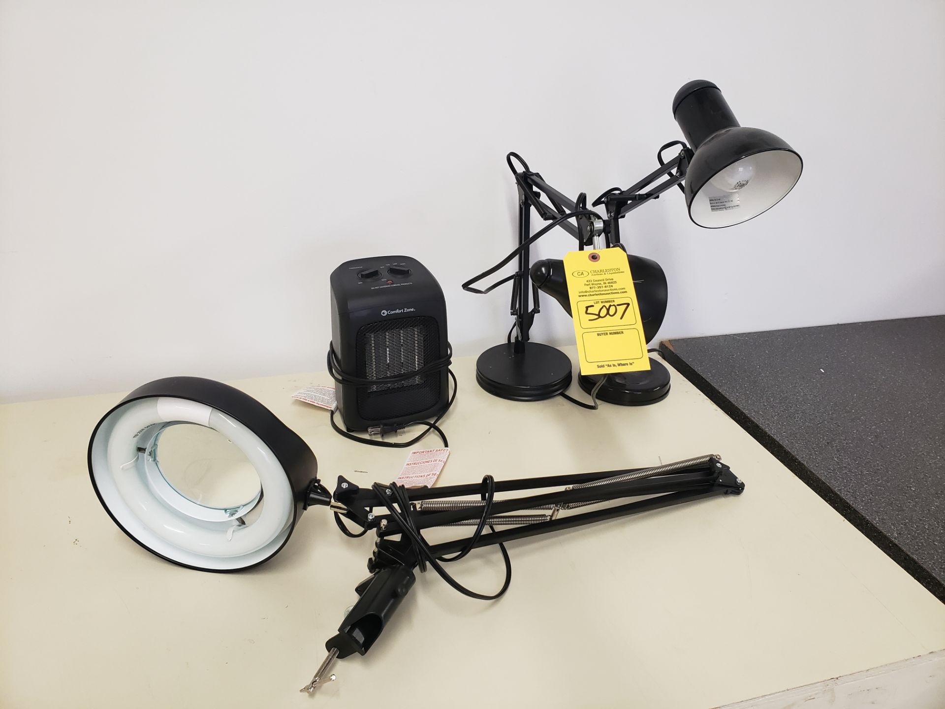 Lot 5007 - (3) LAMPS & SMALL HEATER (LOCATED AT: 16335 LIMA ROAD BLDG. 4 HUNTERTOWN, IN 46748)