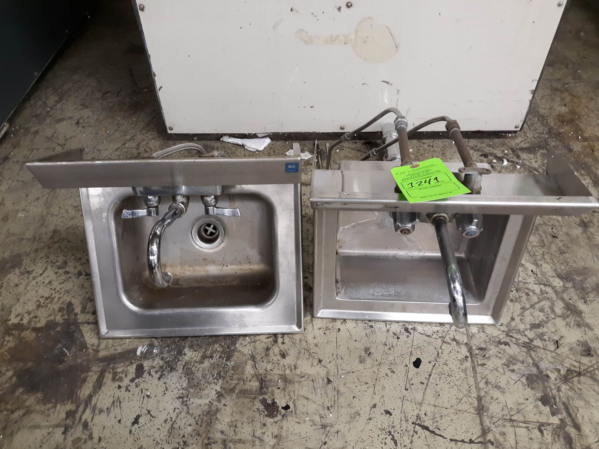 Lot 1241 - (2) STAINLESS STEEL SINKS (RESTAURANT EQUIPMENT) (LOCATED AT: 433 COUNCIL DRIVE, FORT WAYNE, IN