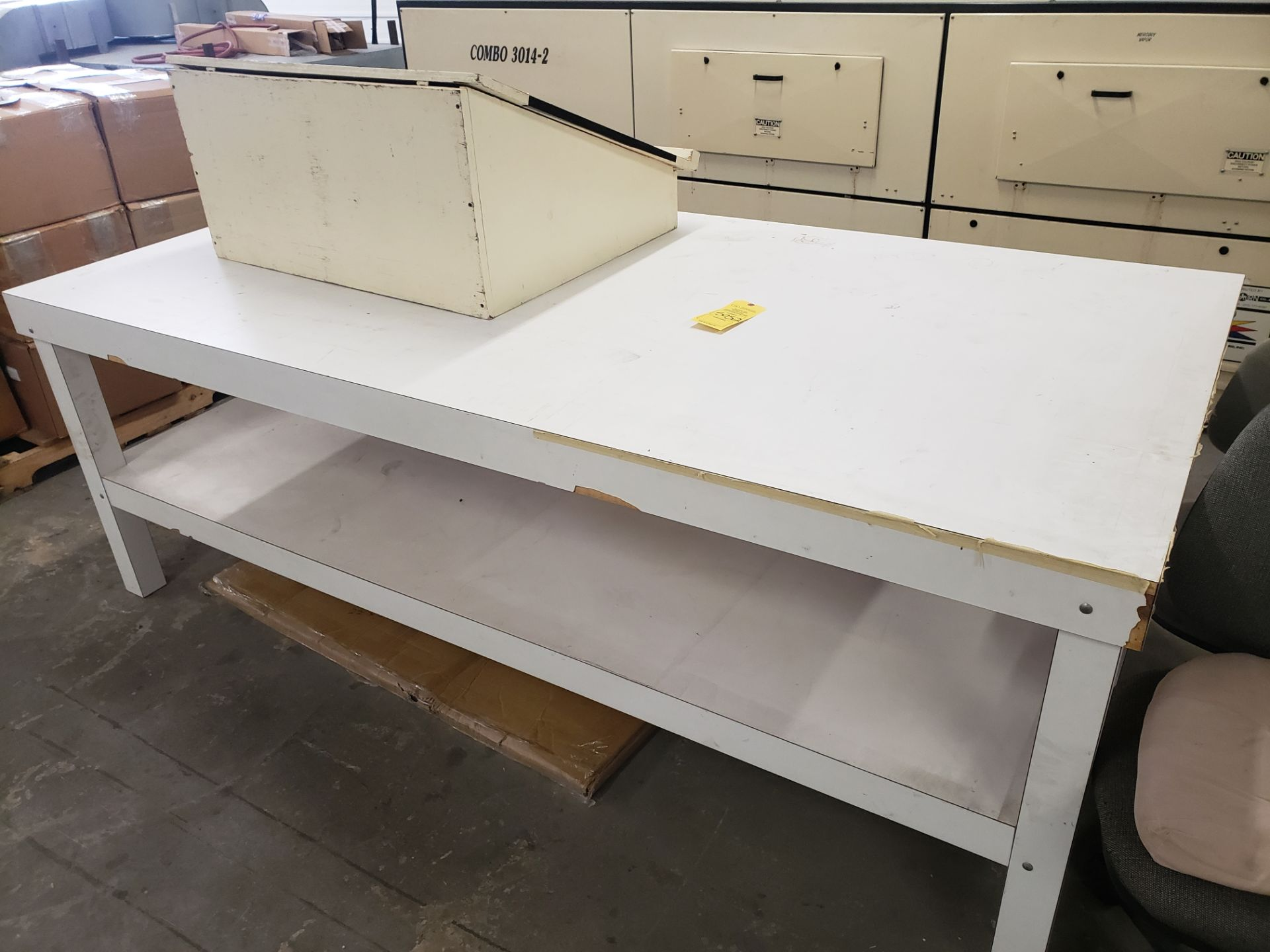 Lot 5052 - PODIUM TABLE (LOCATED AT: 16335 LIMA ROAD BLDG. 4 HUNTERTOWN, IN 46748)