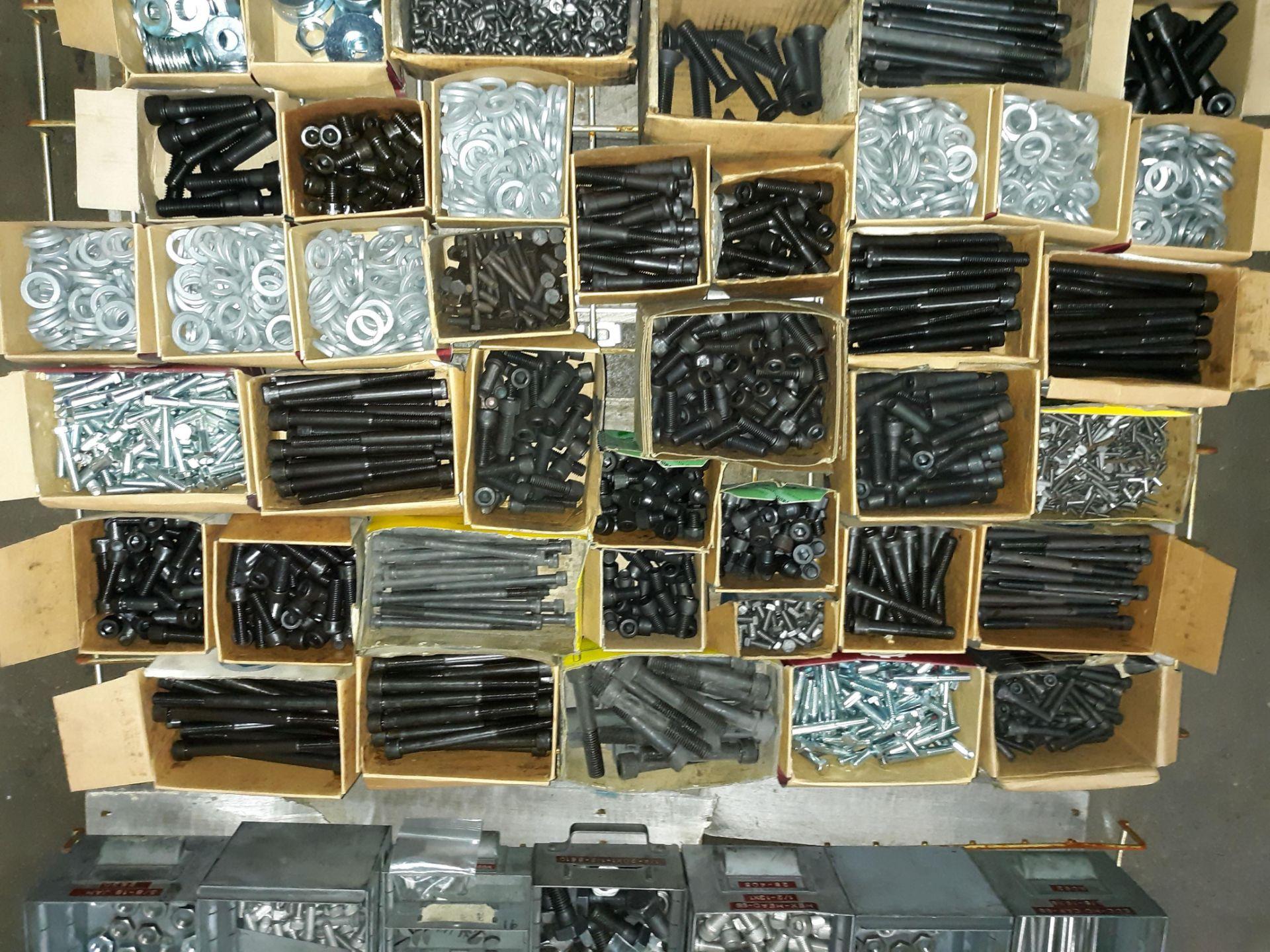 Lot 1066 - PALLET OF VARIOUS HEX SOCKET CAP SCREW GRADE 5 CAP SCREW & HEX NUTS & WASHERS (LOCATED AT: 432
