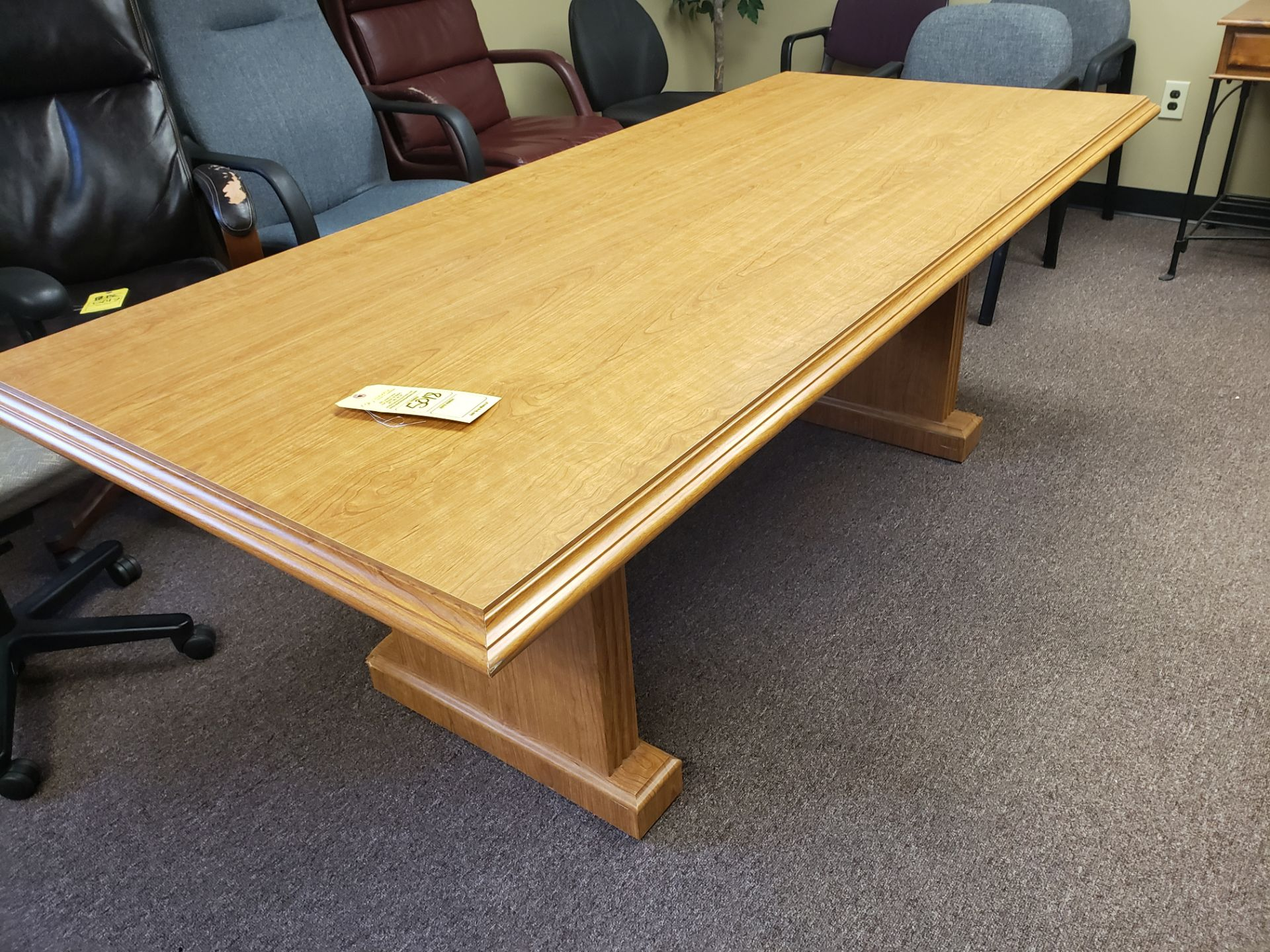 Lot 5018 - CONFERENCE TABLE (LOCATED AT: 16335 LIMA ROAD BLDG. 4 HUNTERTOWN, IN 46748)