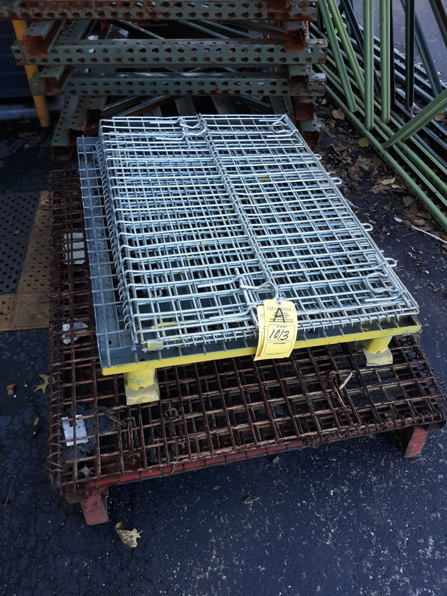 Lot 1013 - (2) COLLAPSIBLE WIRE BASKETS (LOCATED AT: 432 COUNCIL DRIVE, FORT WAYNE, IN 46825)