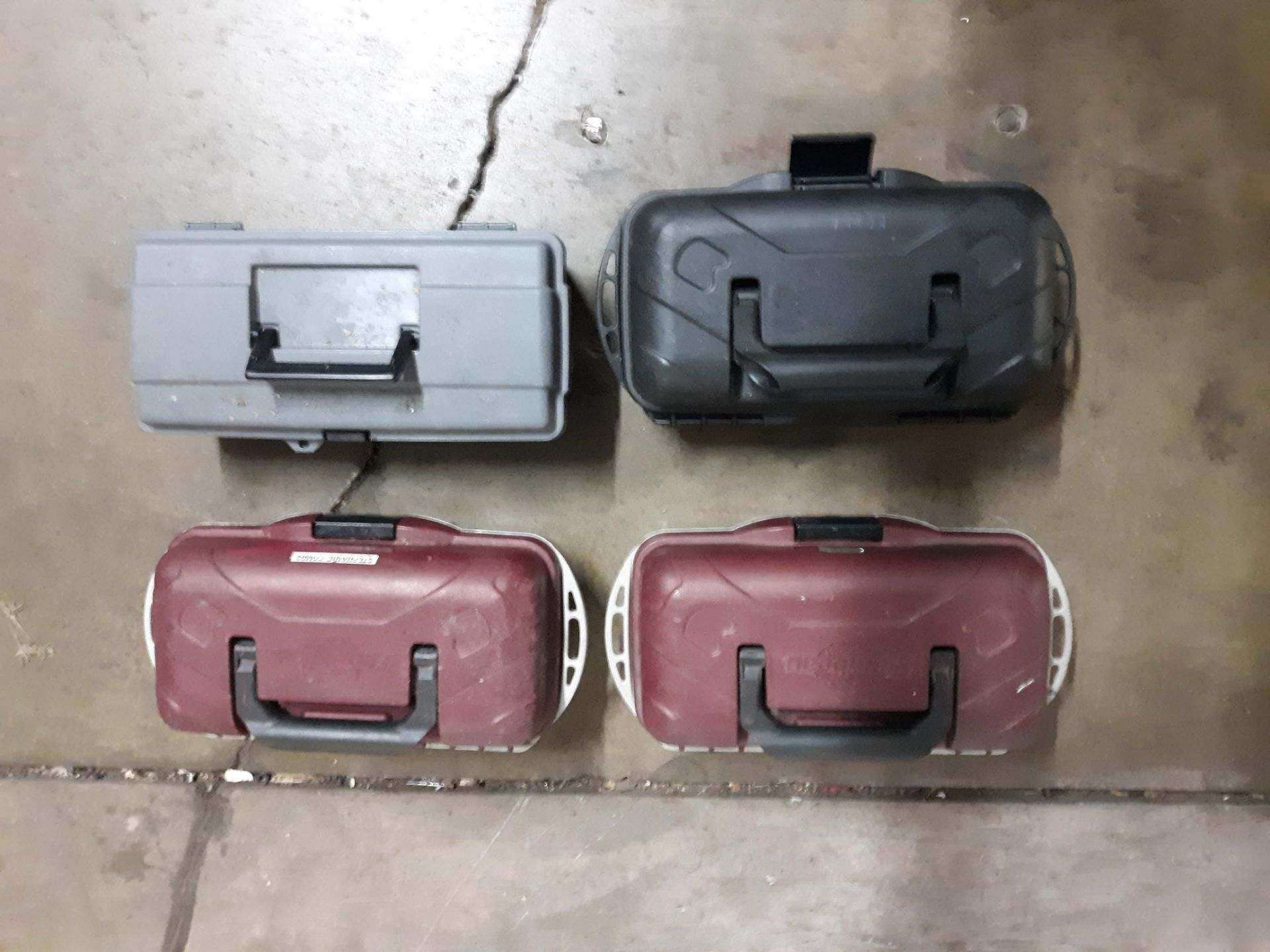Lot 1103 - (4) PLASTIC TOOL BOX/ TACKLE BOXES (LOCATED AT: 432 COUNCIL DRIVE, FORT WAYNE, IN 46825)