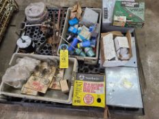 PALLET OF MISC: CUTLER HAMMER CONTROL BOX 100FT OUTDOOR ELECTRICAL WIRE/ ALUMINUM CLAD MC CABLE/