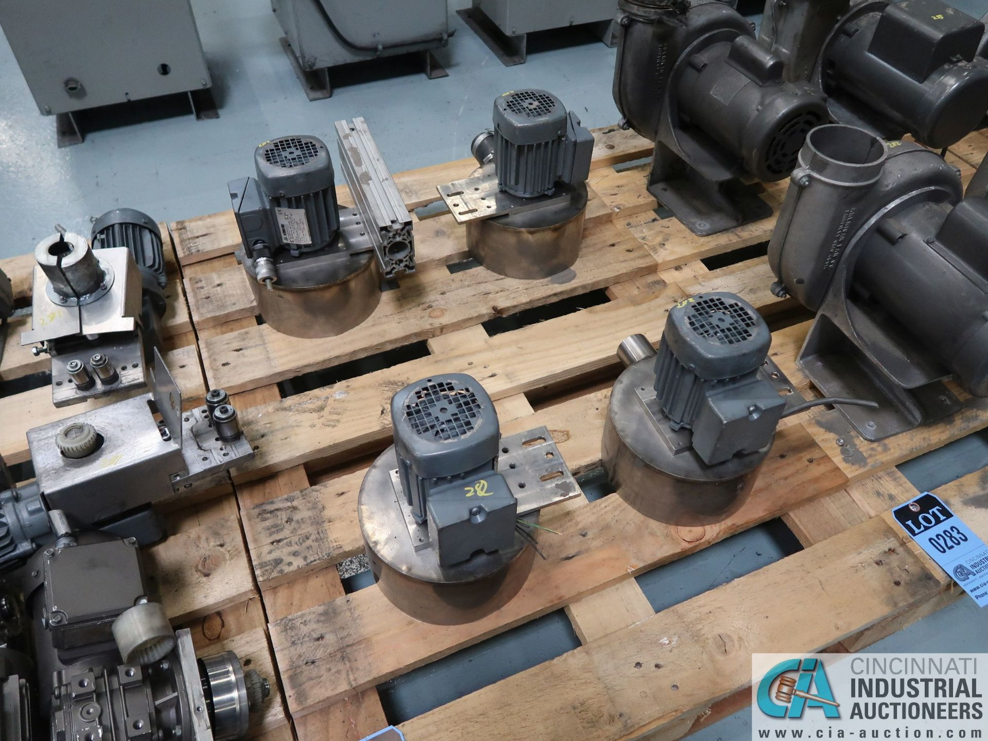 Lot 282 - 0.12 KW APPROX. DRIVE MOTORS *$25.00 RIGGING FEE DUE TO INDUSTRIAL SERVICES AND SALES*