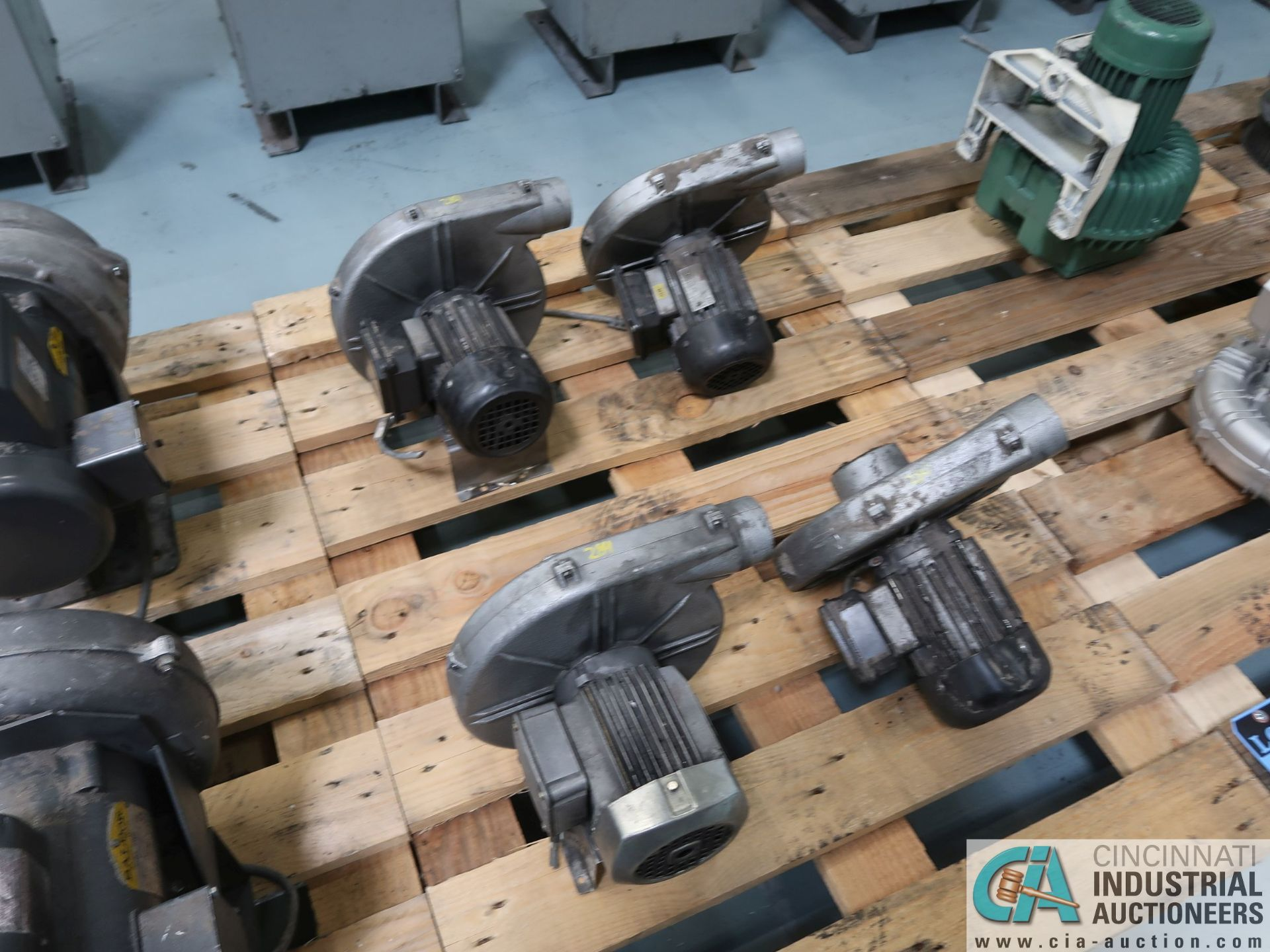 Lot 284 - 0.25 KW BLOWER MOTORS *$25.00 RIGGING FEE DUE TO INDUSTRIAL SERVICES AND SALES*