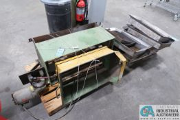 """34"""" X 21"""" SHAKER TABLE - Loading fee due the """"ERRA"""" Pedowitz Machinery Movers $25.00"""