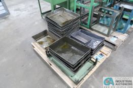 (LOT) OIL PANS