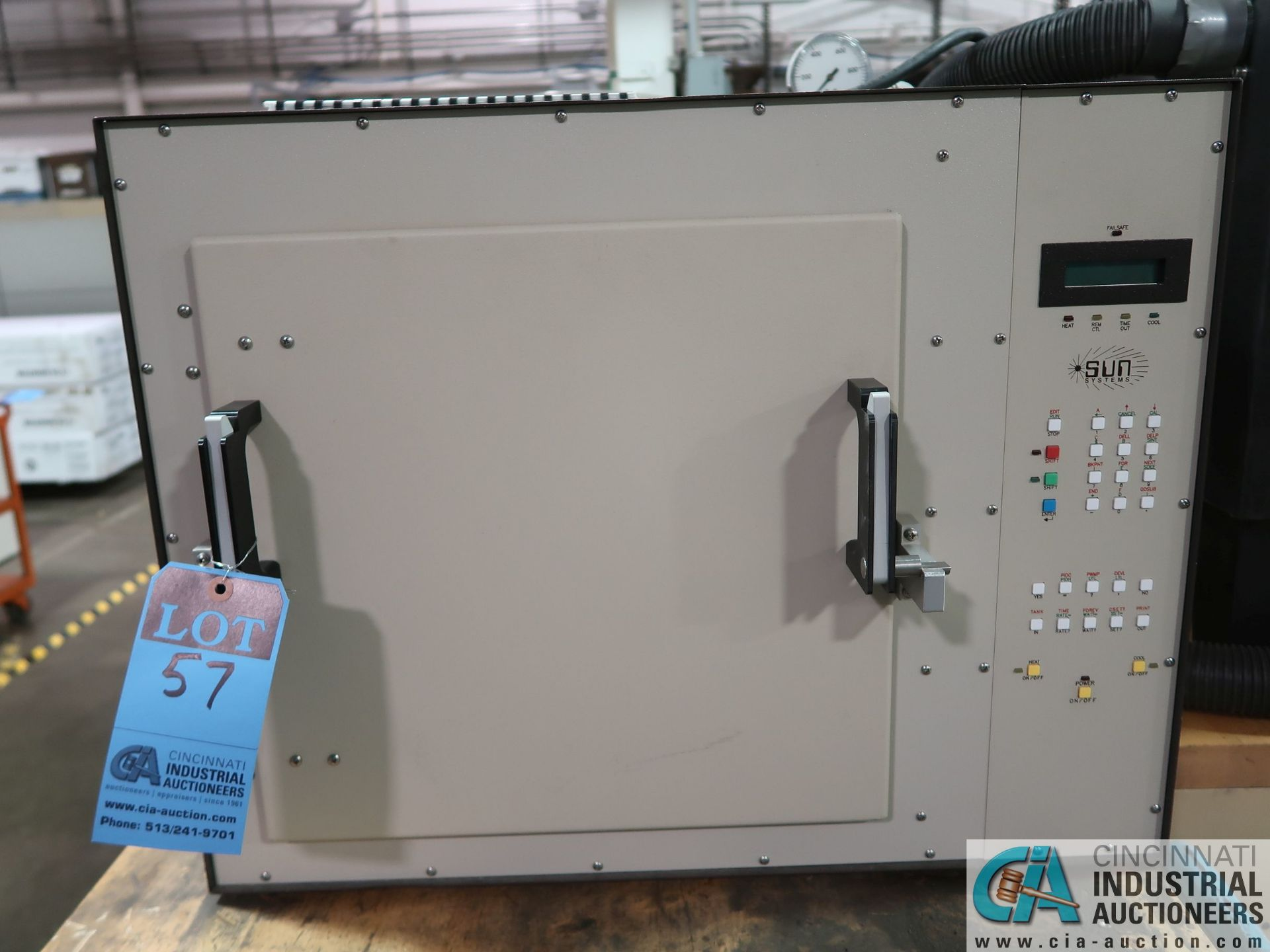 Lot 57 - SUN ELECTRIC MODEL ECI-3W ELECTRIC TEST CHAMBER; S/N AA2772, TEMPERATURE RANGE -73 TO 400 DEGREES