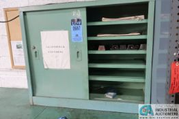 (LOT) SLIDING DOOR CABINET WITH TOOLING