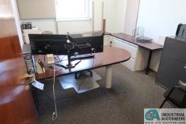 (LOT) CONTENTS OF OFFICE INCLUDING L-SHAPED DESK, CHAIRS, CREDENZA, (2) FILE CABINETS ** NO COMPUTER