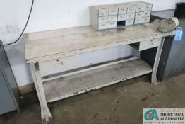 (LOT) BENCH WITH VISE