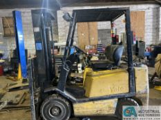 4,000 LB. YALE MODEL CLP040AFNUAE084 LP GAS SOLID PNEUMATIC TIRE LIFT TRUCK; S/N A810N02283T,