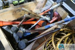 WOOD CRATE MISCELLANEOUS HAMMERS