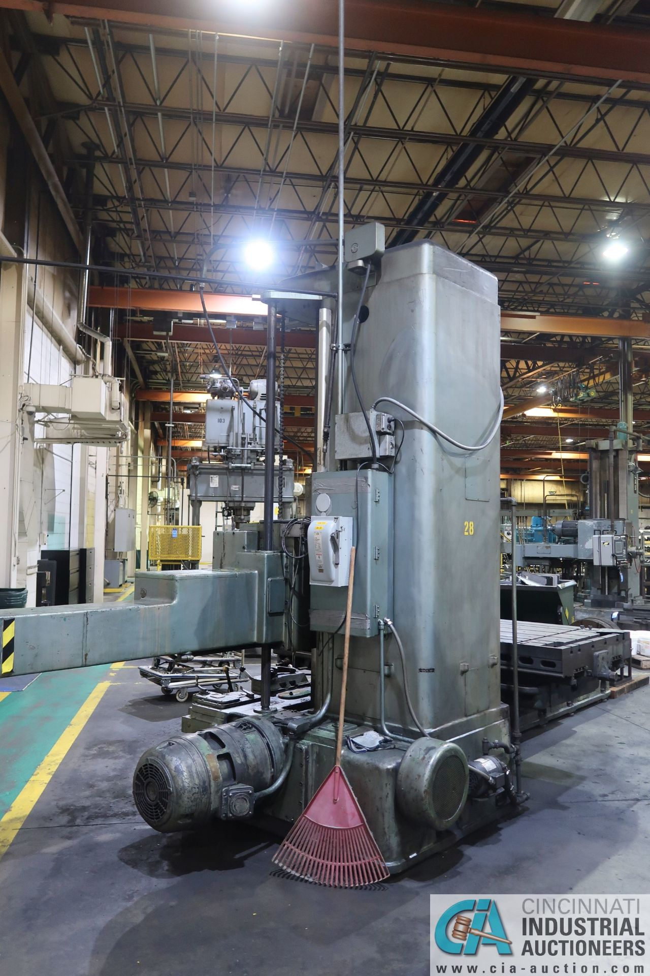 """GIDDINGS AND LEWIS MODEL 350T HORIZONTAL BORING MILL; S/N 150-90-65, 4' X 7' TABLE WITH (2) 24"""" FACE - Image 3 of 16"""