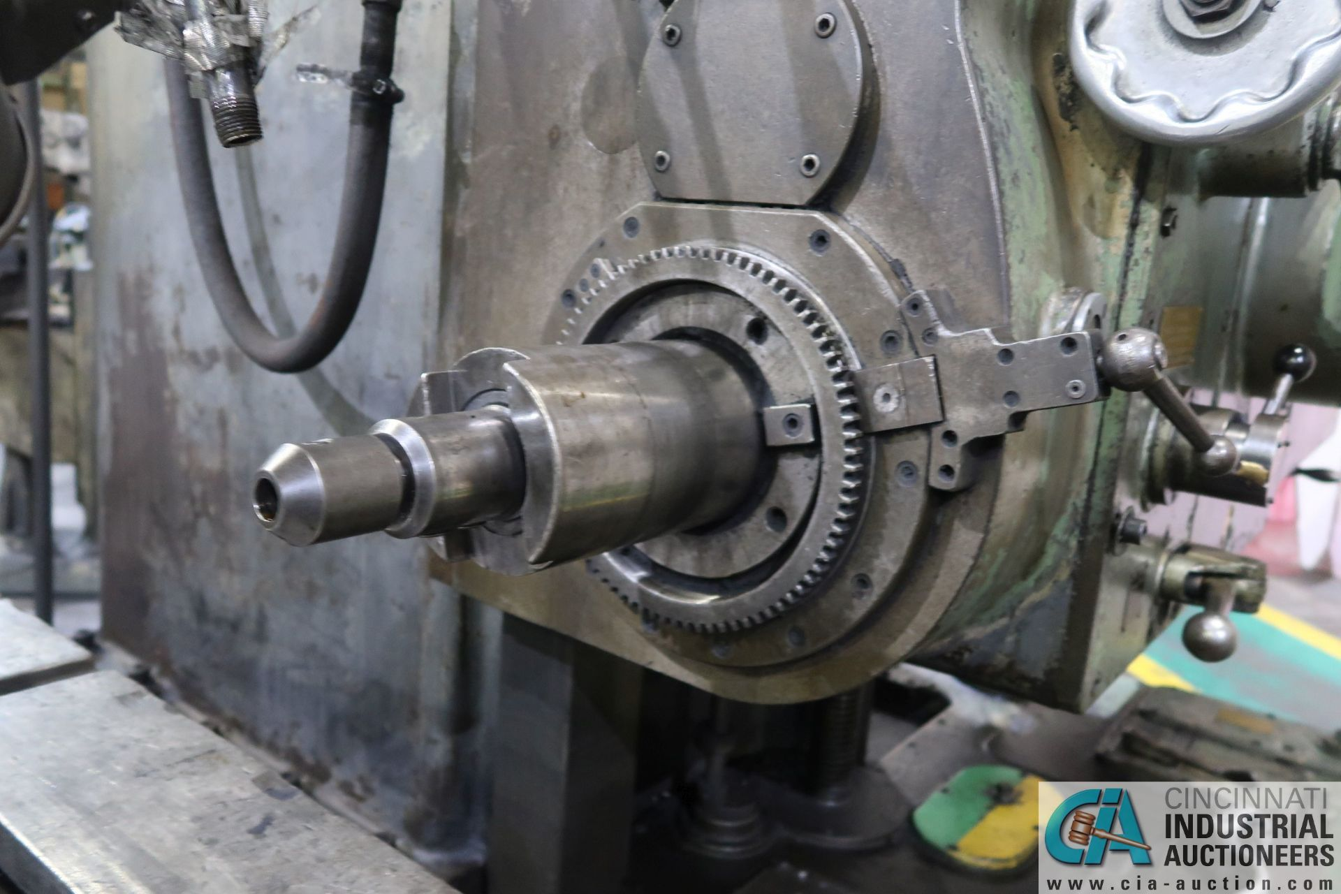 """GIDDINGS AND LEWIS MODEL 350T HORIZONTAL BORING MILL; S/N 150-90-65, 4' X 7' TABLE WITH (2) 24"""" FACE - Image 8 of 16"""