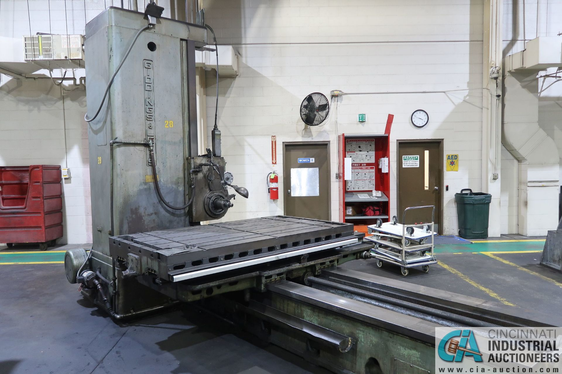 """GIDDINGS AND LEWIS MODEL 350T HORIZONTAL BORING MILL; S/N 150-90-65, 4' X 7' TABLE WITH (2) 24"""" FACE - Image 2 of 16"""