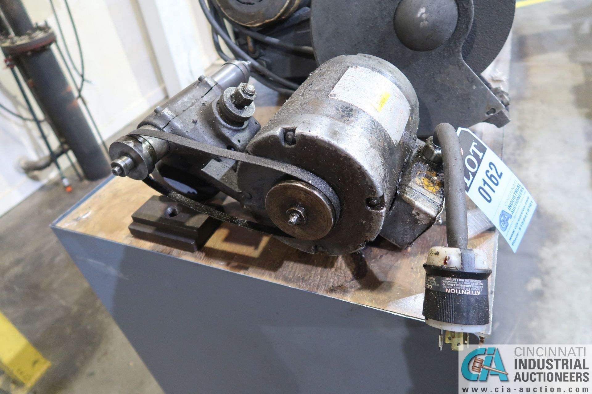 DUNMORE CAT NO. 57-022 TOOL POST GRINDER