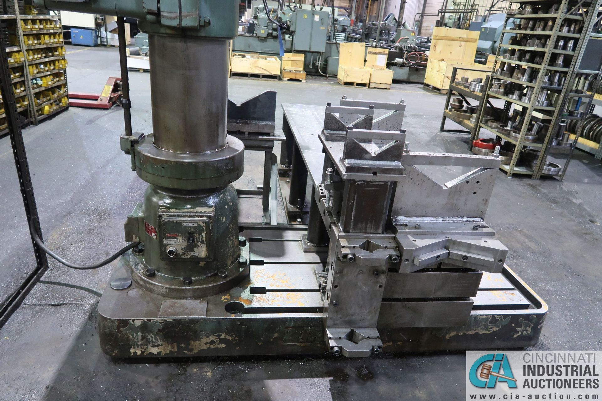 """5' ARM X 11"""" COLUMN MAZAK MODEL HOLE-MASTER 512 RADIAL ARM DRILL; S/N 77058L, WITH 20"""" X 24"""" X 16"""" - Image 9 of 12"""