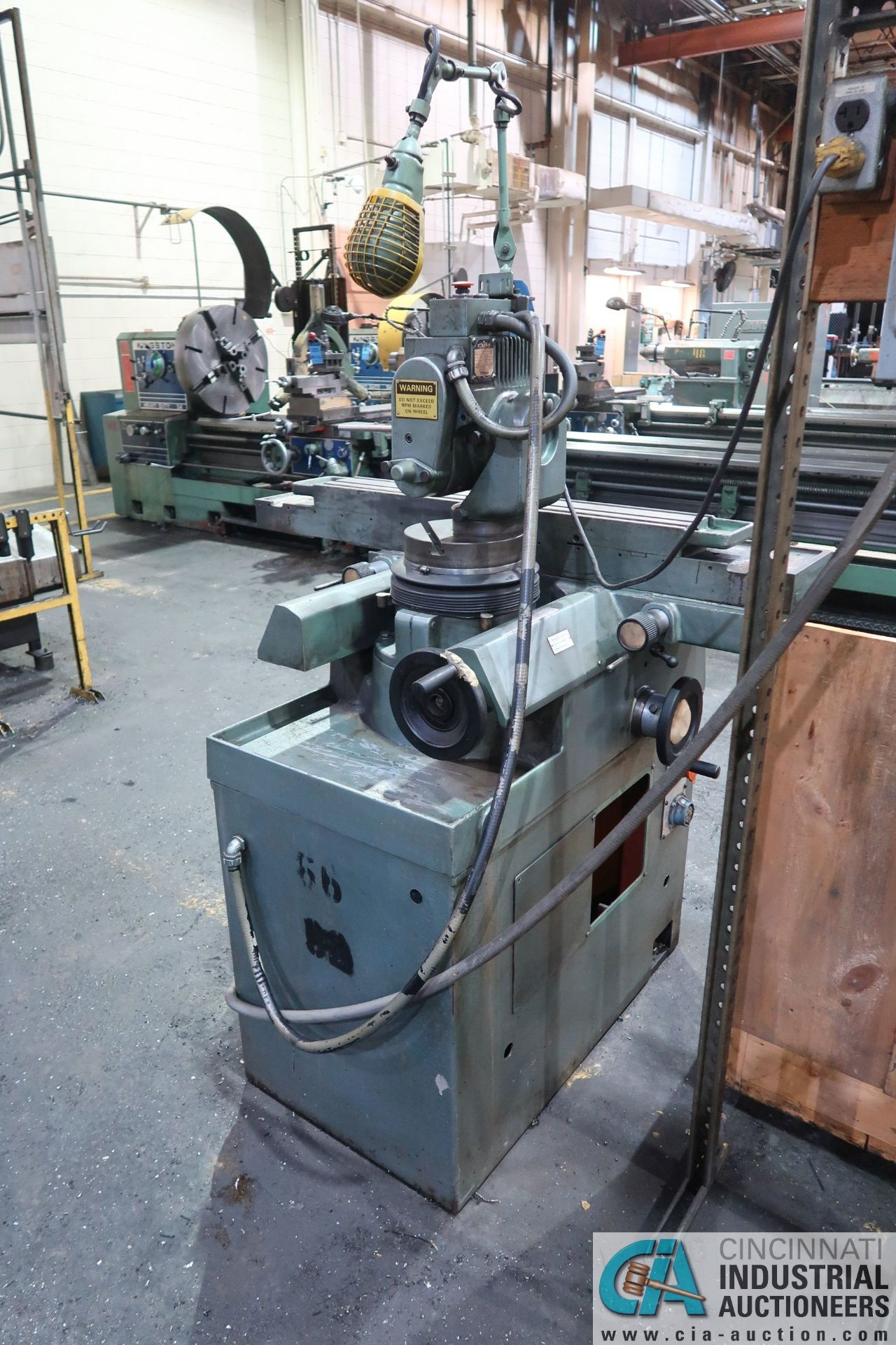CINCINNATI TYPE MT TOOL GRINDER; S/N 1D2F1ABF-15, WITH (1) WOOD CRATE MISCELLANEOUS FIXTURES (NEW - Image 4 of 11