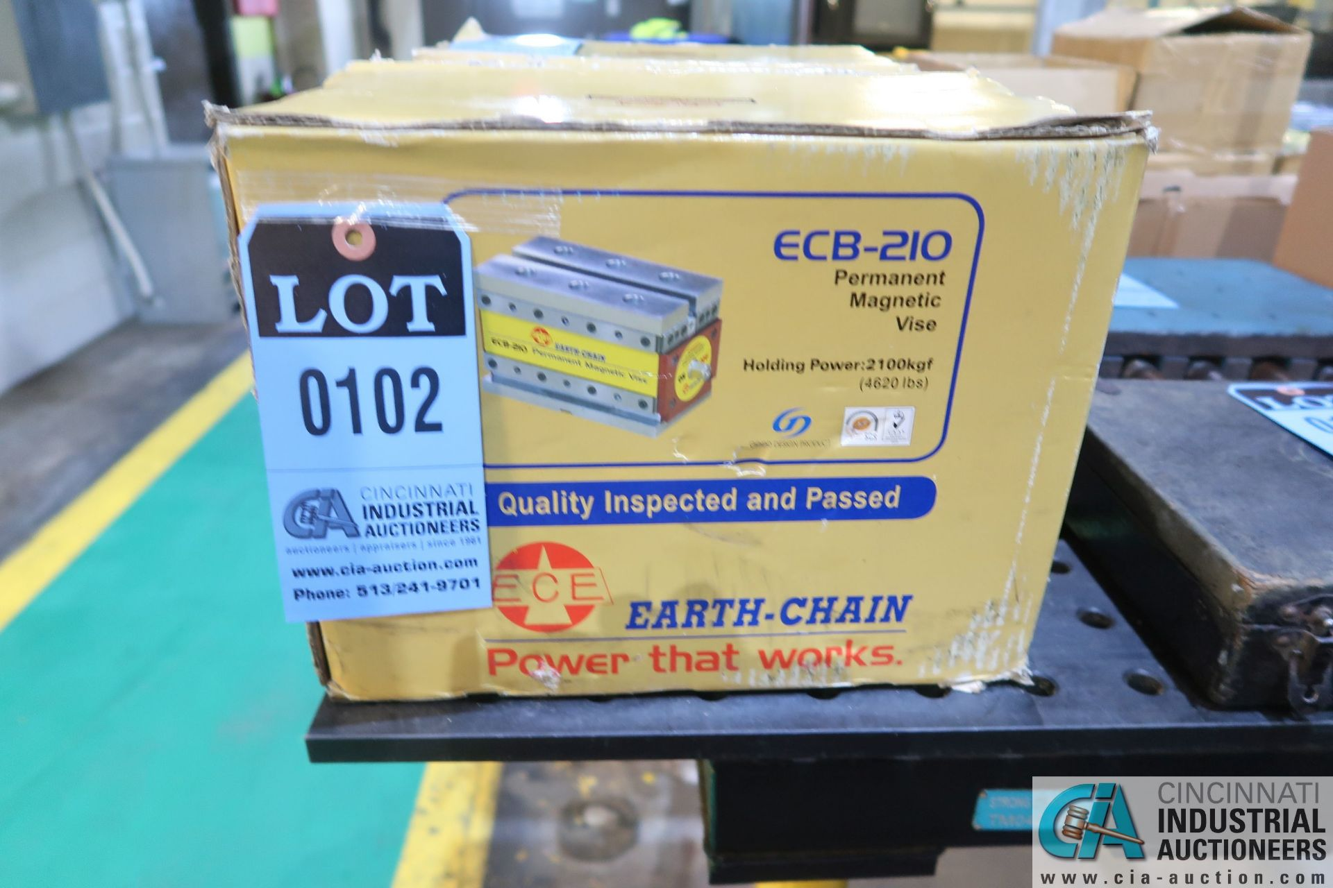 EARTH-CHAIN MODEL ECB-210, NEW PERMANENT MAGNETIC VISE; S/N 2105375, 4,620 LB. HOLDING POWER
