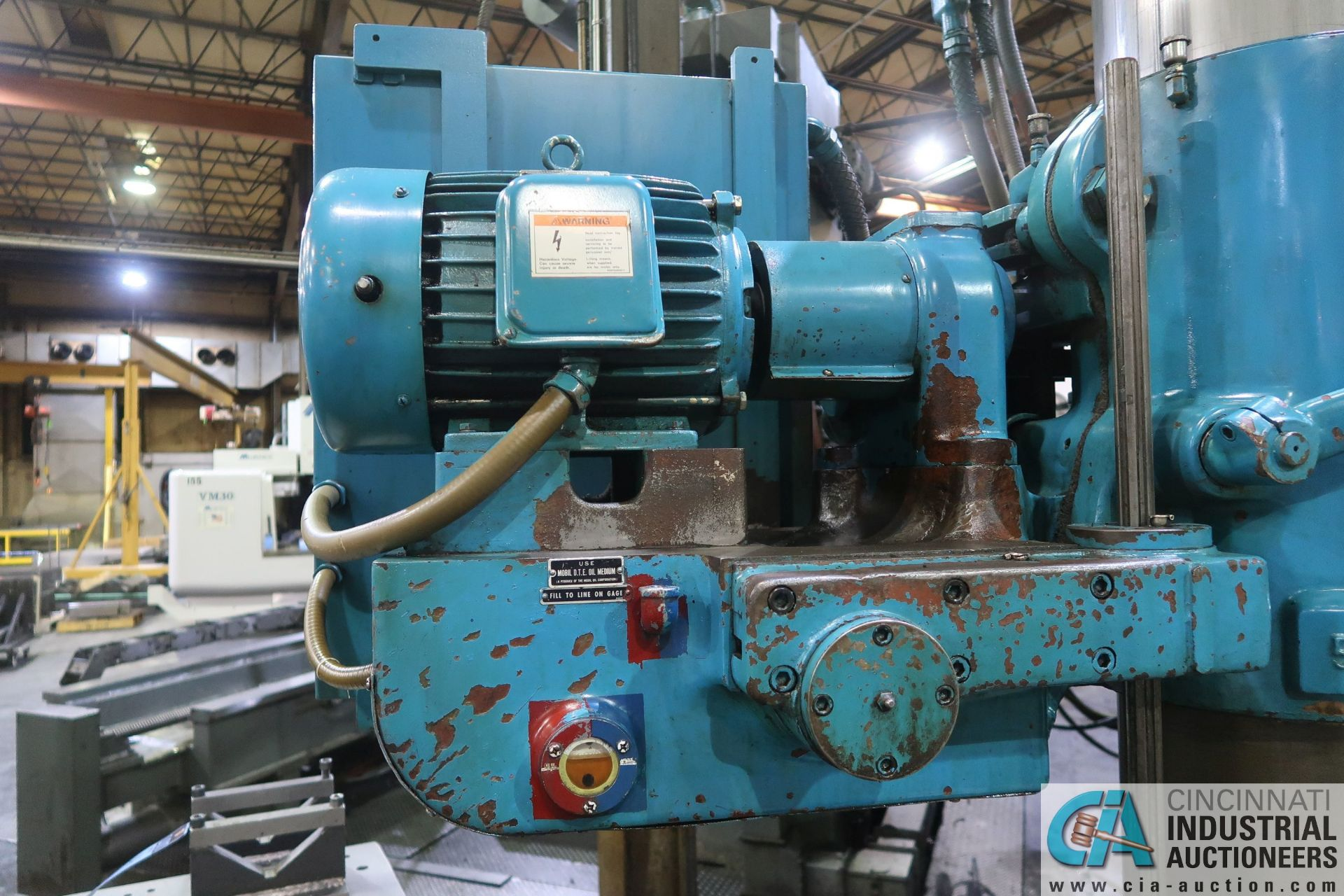 "5' ARM X 11"" COLUMN CARLTON RADIAL ARM DRILL; S/N 4434, WITH (2) 18"" X 28"" X 17"" HIGH T-SLOTTED - Image 10 of 13"