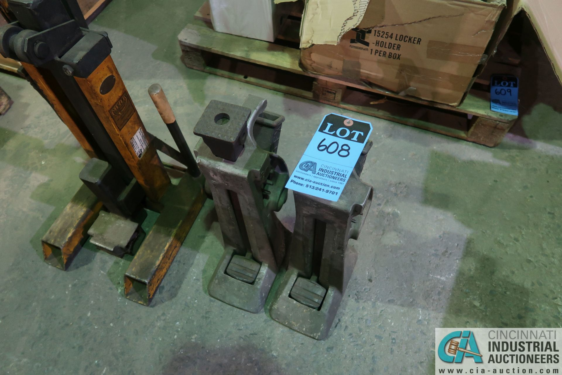 (LOT) (2) SIMPLEX MODEL A17 MANUAL TOE JACKS